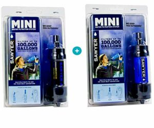 SAWYER Mini – Filtre d'eau pour randonnée, Accessoire Camping, Trekking, Mini Set de 2 purificateur d'eau de Robinet + Sachet 2 x 0.5Litre (Set de 2 Noir-Bleu)